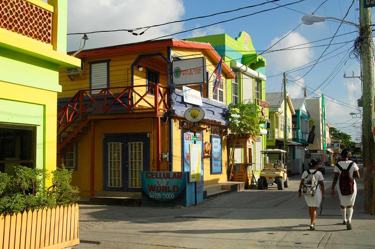 Belize San Pedro Ambergries island coloridas casas