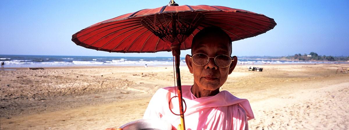Chaungtha Myanmar moje paseando por la playa