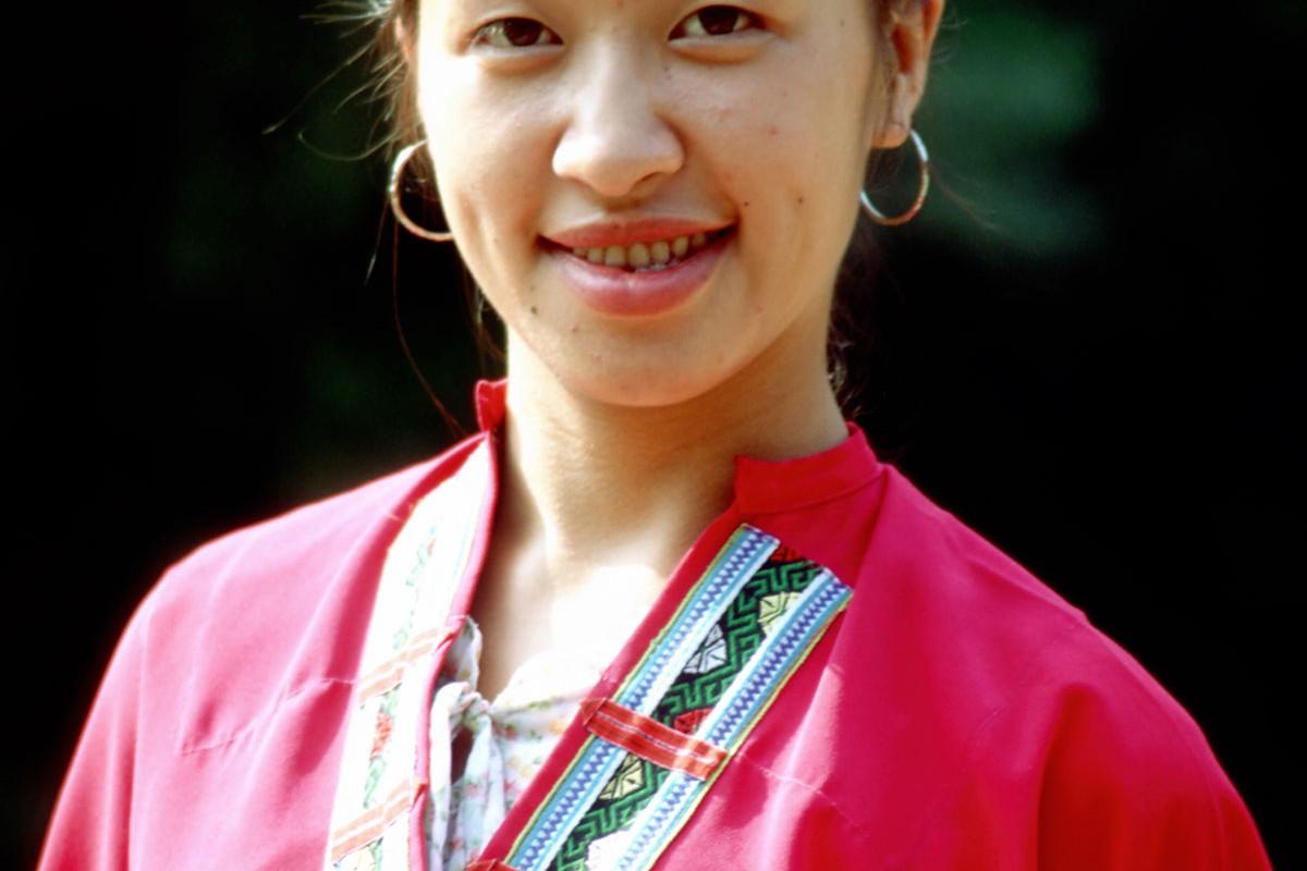Longsheng Terrazas de arroz Espinazo del dragon mujer Huangluo