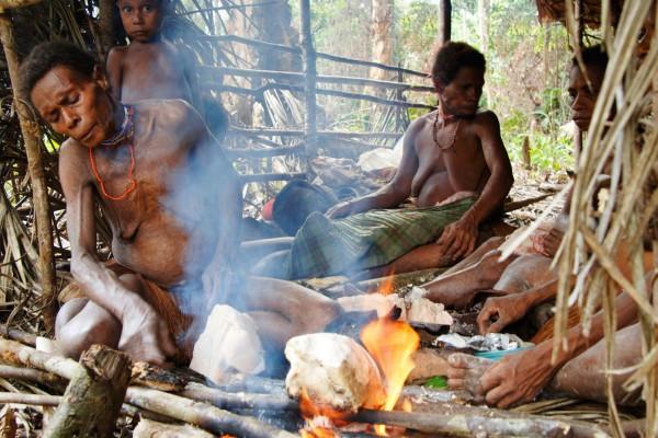Indonesia Selva West Papua Indios Korowais