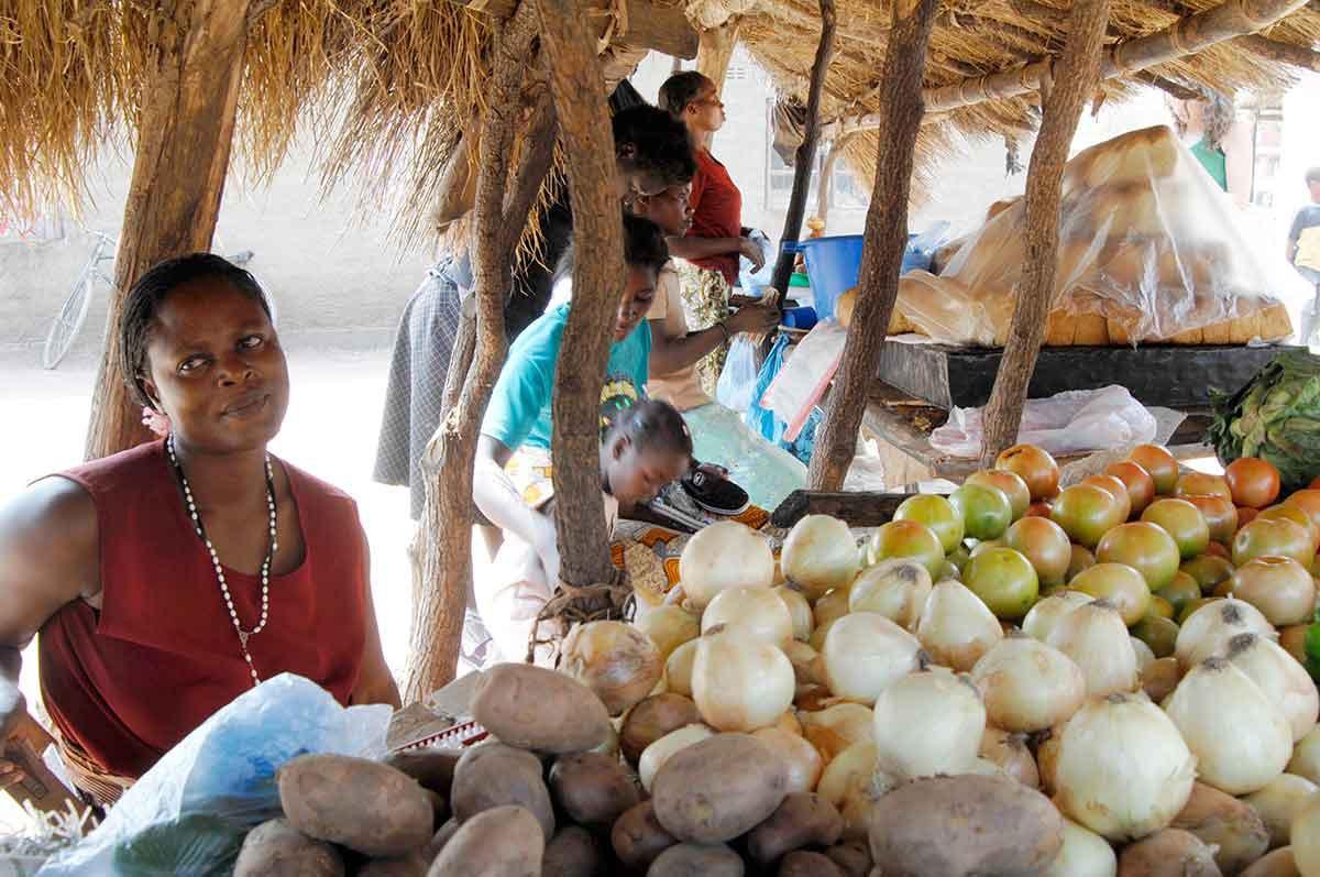 Zambia Lusaka mujer en mercado